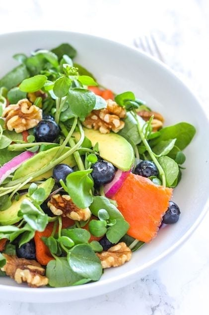 Anti-Inflammatory Blueberry Salmon Power Salad - Eat Spin Run Repeat