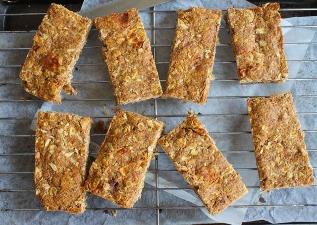 Chopped Apple Cinnamon Breakfast bars