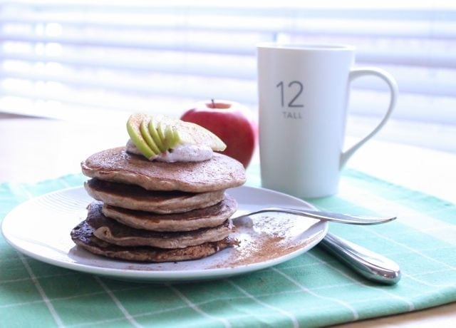 apple cinnamon protein pancakes with chobani