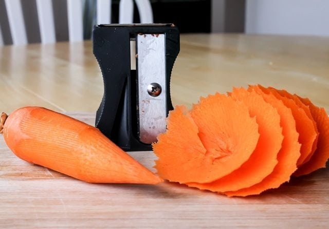 karoto with carrot flower