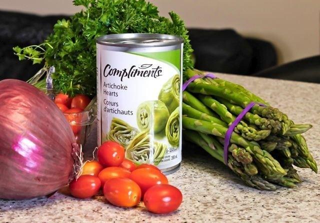 zesty pesto quinoa salad ingredients