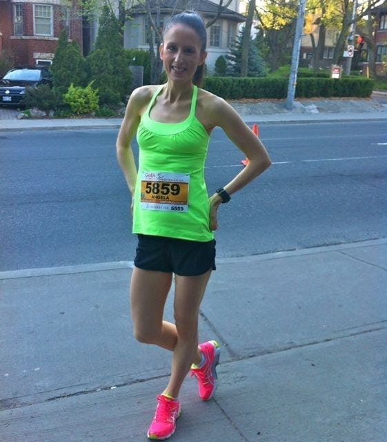 pre-race posing in my lulu and asics gear