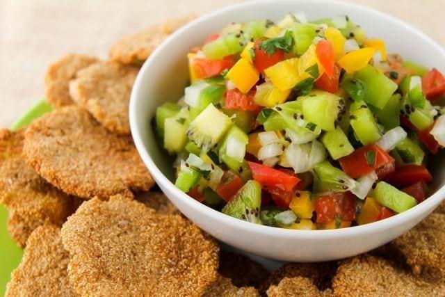 kiwi cilantro salsa with amaranth crackers 2