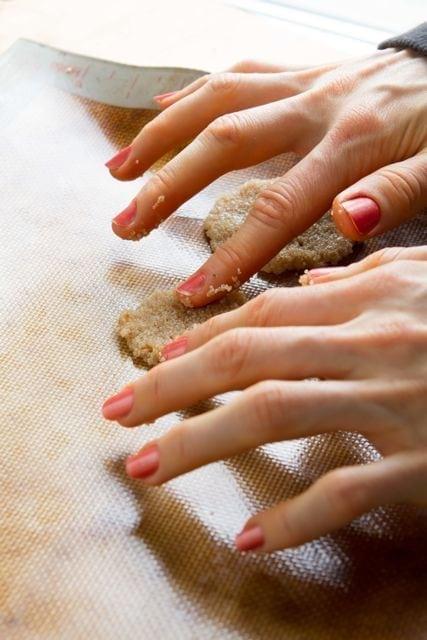 making amaranth crackers