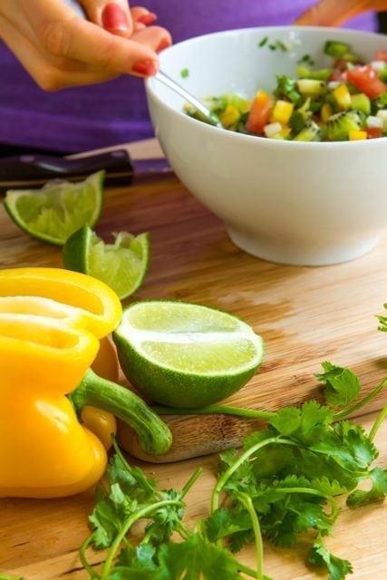 mixing salsa 2