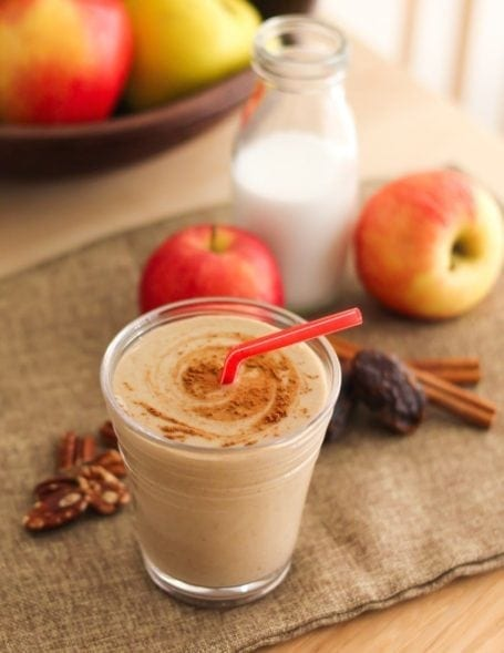 Apple Pie Smoothie, + 3 more delicious, dessert-inspired vegan smoothies for fall | dairy-free, gluten-free and packed with protein | My Fresh Perspective, myfreshperspective.com. #vegan #plantbased #cleaneating #eatclean
