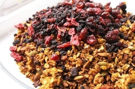 Pecan and Pumpkin Pie Spiced Granola - Eat Spin Run Repeat