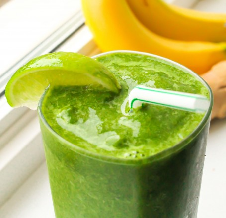 Anti-Inflammatory Coconut Lime Post-Workout Recovery Smoothie