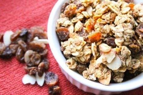 Cinnamon raisin granola - Eat Spin Run Repeat