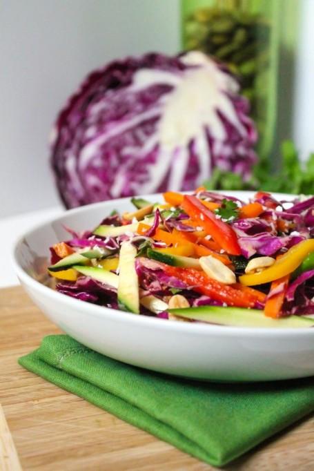 Sweet n Spicy Thai Rainbow Salad - Eat Spin Run Repeat
