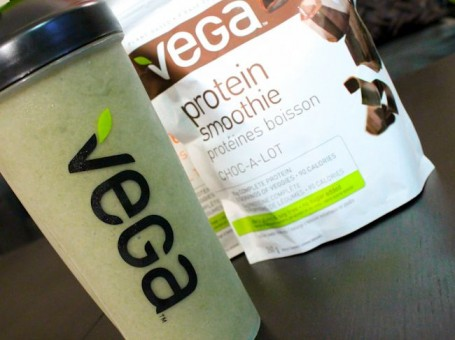 chocolate and banana green vega smoothie