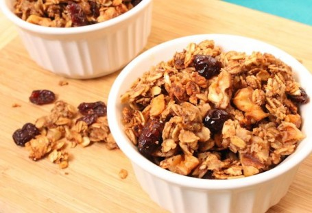 Low-Sugar Banana Walnut Cranberry Granola - Eat Spin Run Repeat
