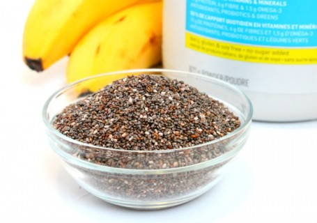 chia seeds with vega one and bananas