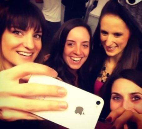 4-person vega blogger selfie