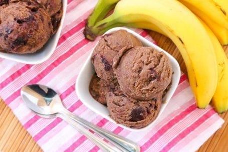 vegan dark chocolate cherry ice cream - eat spin run repeat