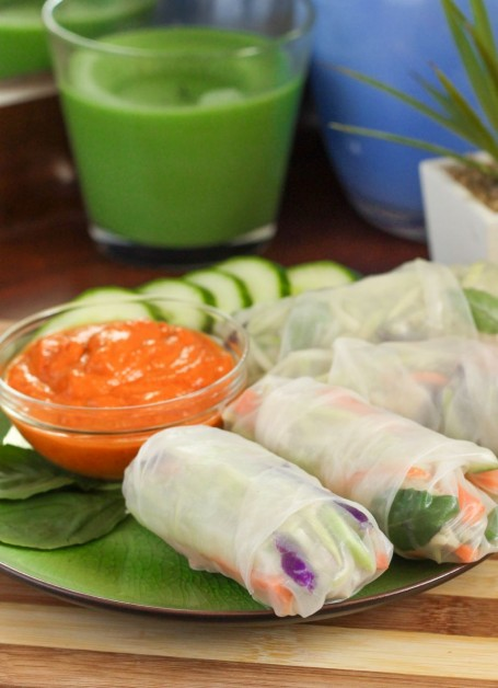Fresh Spring Rolls with Red Curry Dipping Sauce - Eat Spin Run Repeat
