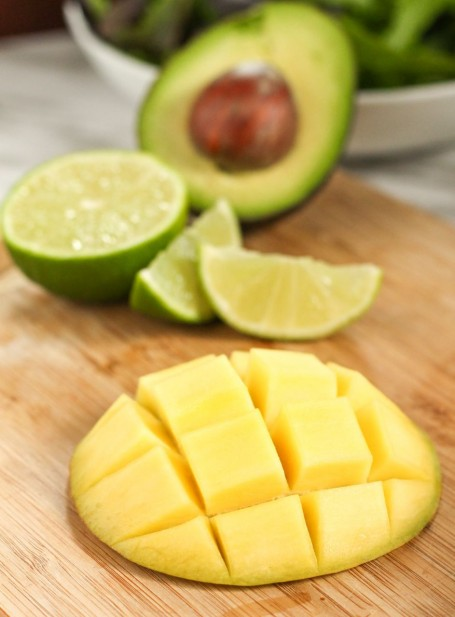 mango with limes and avocado