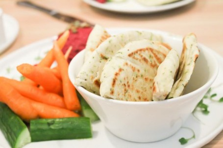 Heirloom - Hummus and Crudites Platter