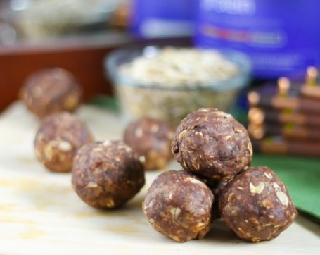 No-Bake Triple Chocolate Peanut Vega Recovery Bites - Eat Spin Run Repeat