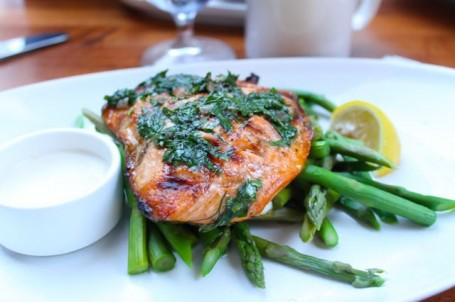 grilled salmon with herbs and asparagus