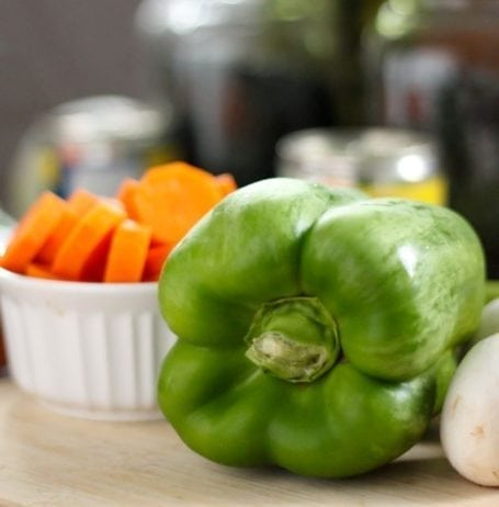 green bell pepper and carrots