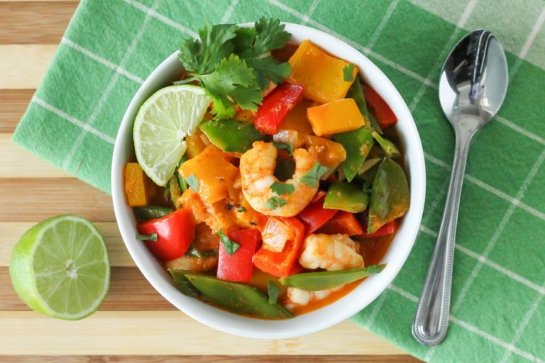 Thai Coconut Shrimp Curry - Eat Spin Run Repeat