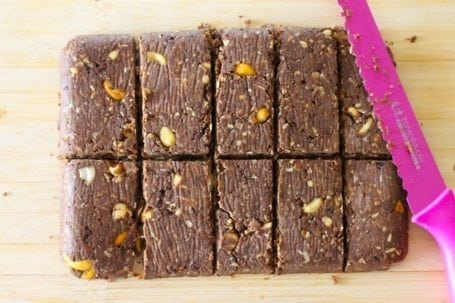 Cutting Chocolate Cashew Protein Bars - Eat Spin Run Repeat