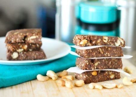 No-Bake Chocolate Cashew Chunk Protein Bars - Eat Spin Run Repeat