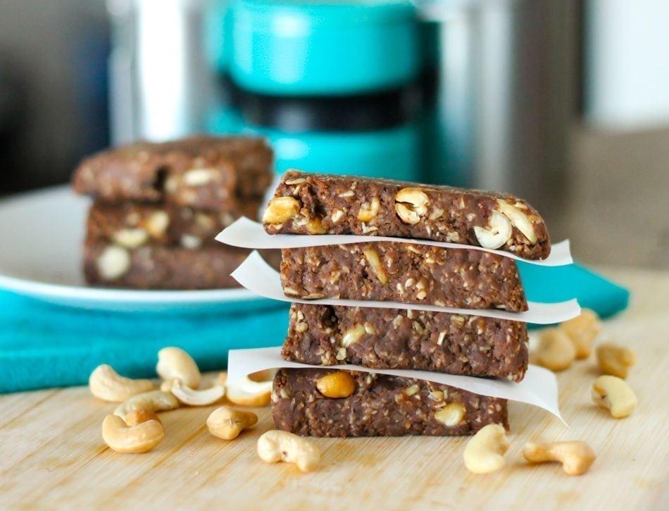 No-Bake Chocolate Cashew Chunk Protein Bars - Eat Spin Run Repeat
