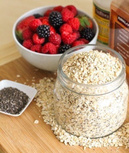 Love Grown Foods Super Oats, berries and chia seeds