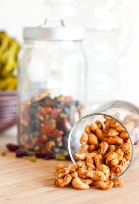 Maple Maca Dusted Cashews - Eat Spin Run Repeat