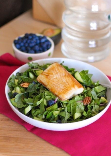 Blueberry and Greens Salad with Mahi Mahi - Eat Spin Run Repeat