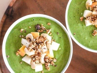 Apple Cinnamon Crunch Smoothie Bowl - Eat Spin Run Repeat