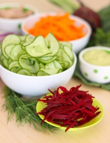 spiralized cucumber and shredded beets