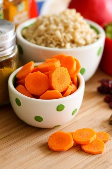 sliced carrots and rice