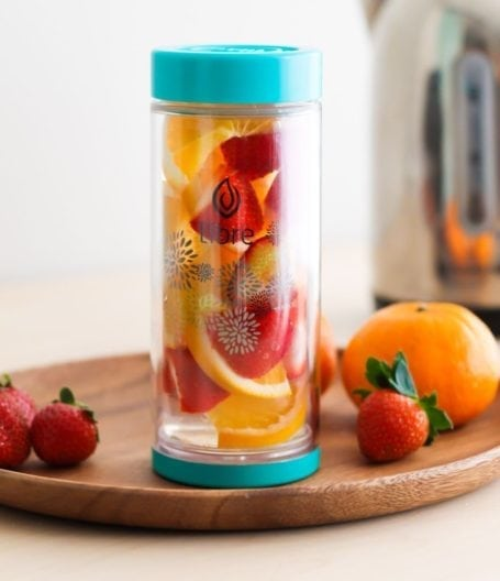 Libre Tea Starburst Glass with fruit-infused water - Eat Spin Run Repeat
