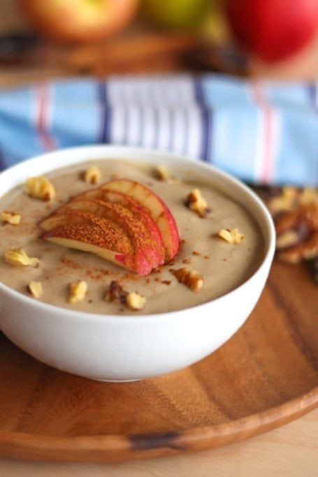 Walnut Caramel Apple Smoothie Bowl - Eat Spin Run Repeat. A vegan, high protein, and decadent-tasting but 100 percent healthy fall smoothie!