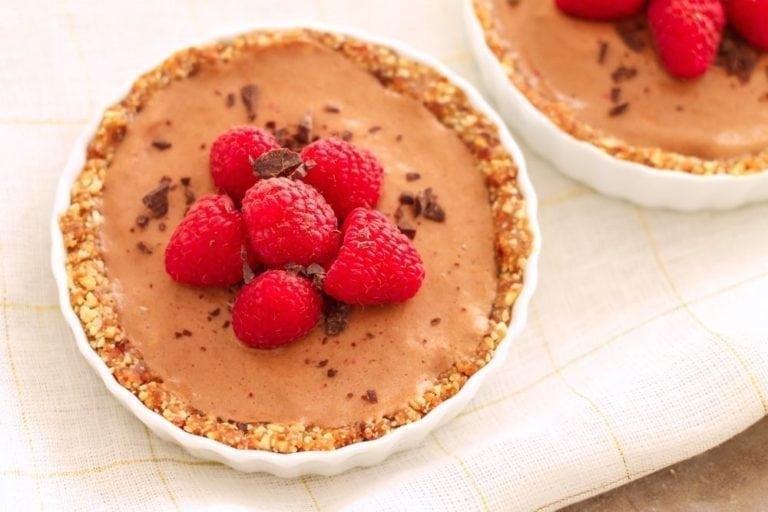 Vegan No-Bake Chocolate Raspberry Tarts - Eat Spin Run Repeat