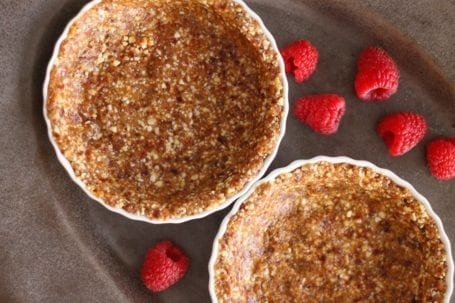 no-bake cashew and date crust in creme brulee dishes