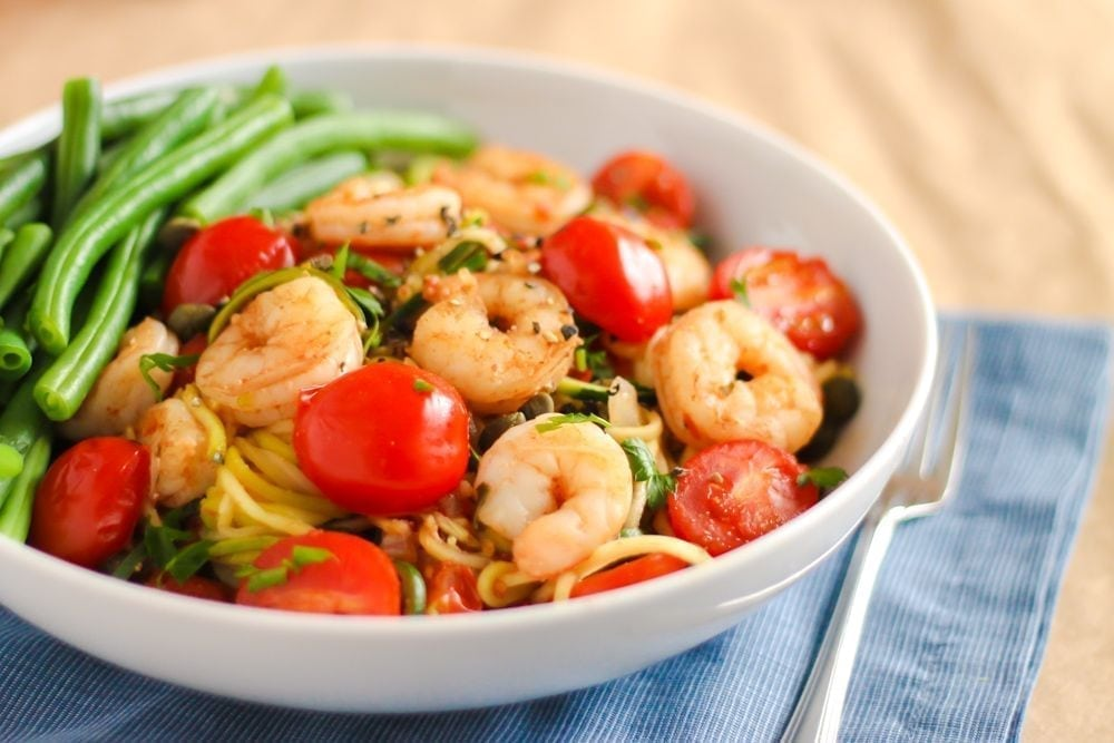 Garlic Shrimp and Zucchini Noodle Linguine - Eat Spin Run Repeat