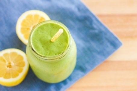 Lemon Moringa Pie Green Smoothie - Eat Spin Run Repeat
