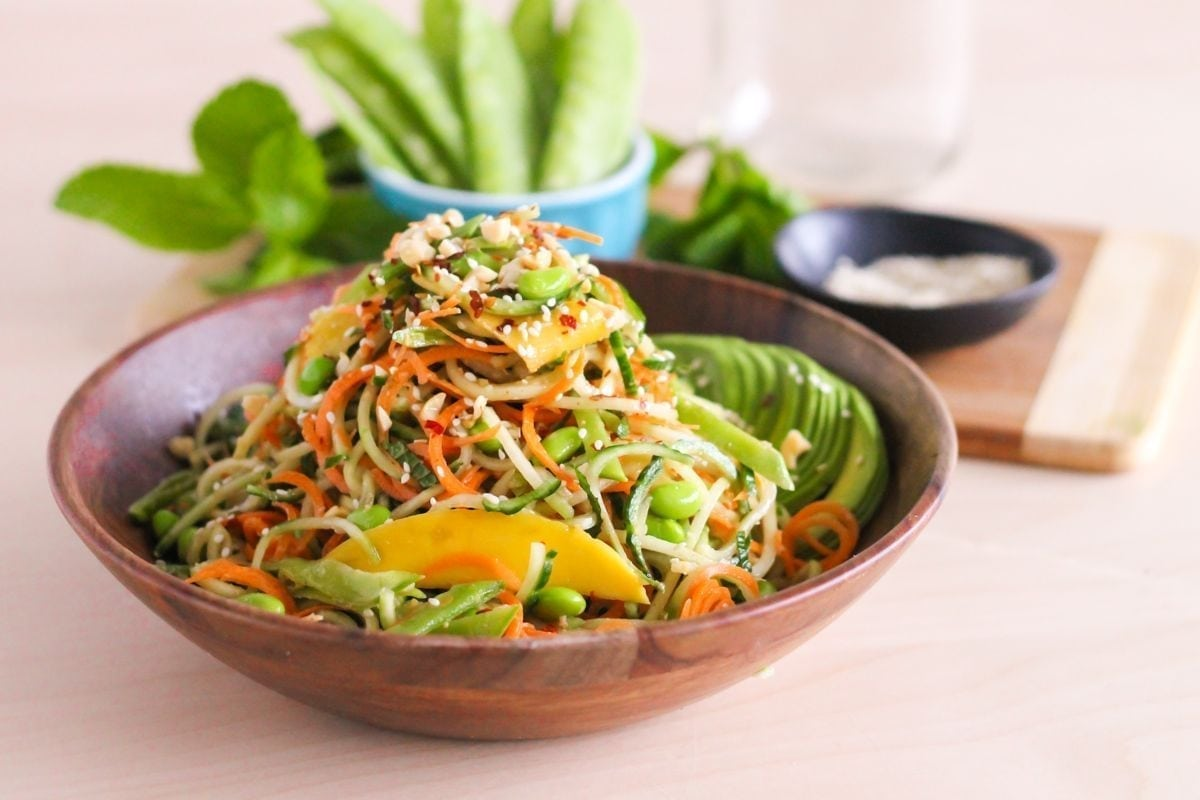 Spiralized Sesame Noodle Salad - Eat Spin Run Repeat