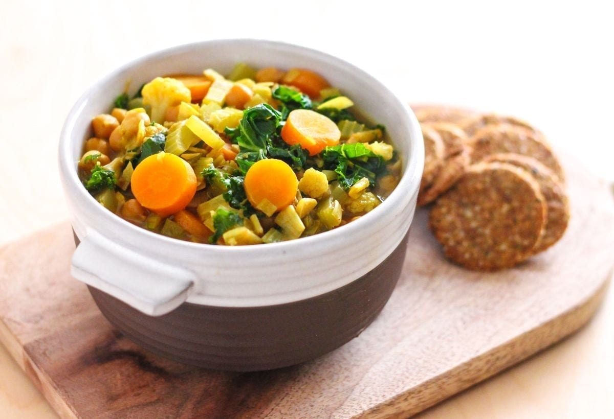 Golden Chickpea and Vegetable Soup - Eat Spin Run Repeat