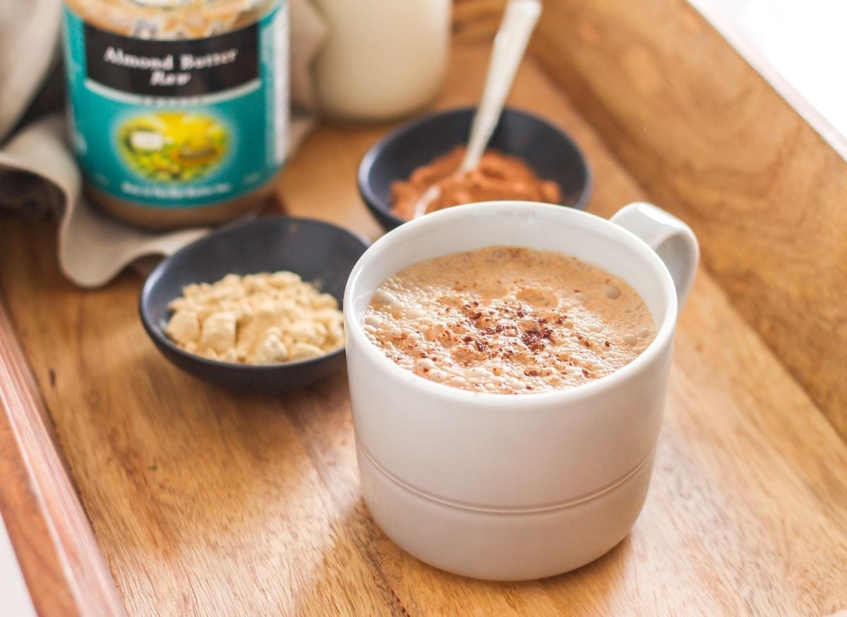 Feeling frazzled? These 5 adaptogens help the body respond appropriately to stress. And, if you're not sure how to use them, give this Stress-Busting Adaptogen Latte a try! - Recipe via Eat Spin Run Repeat // @eatspinrunrpt