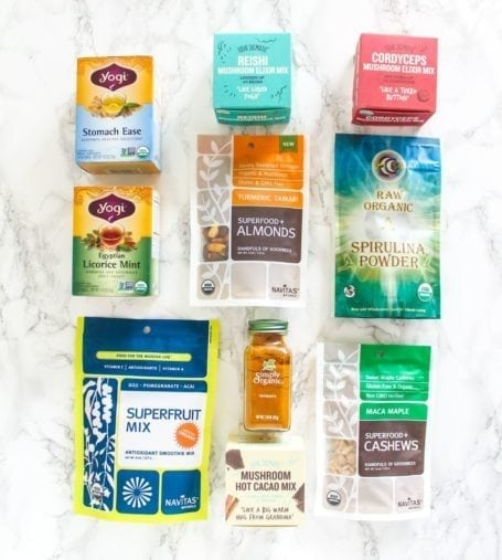 6 must-have superfood faves for spring - From medicinal mushrooms and antioxidant powders to maca-dusted cashews and turmeric-dusted almonds, here are 6 easy ways to incorporate more superfoods into your day. via Eat Spin Run Repeat // @eatspinrunrpt