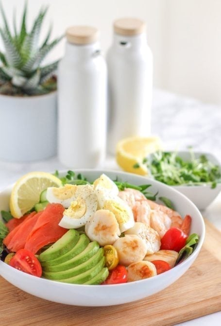 West Coast Chopped Seafood Salad - paleo, high protein, and full of healthy omega-3 fats! || Eat Spin Run Repeat