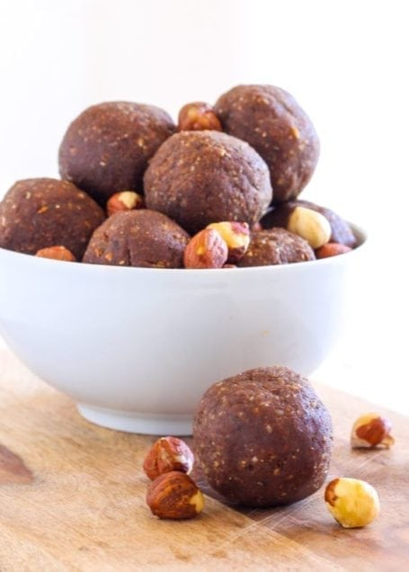 No-Bake Chocolate Hazelnut Protein Bites - vegan and gluten-free || Eat Spin Run Repeat