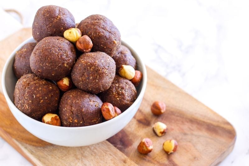 No-Bake Chocolate Hazelnut Protein Bites - vegan and gluten-free || Eat Spin Run Repeat