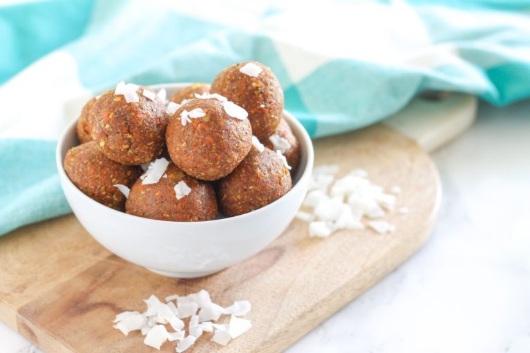 No-bake vegan Coconut Carrot Cake Protein Bites - gluten free + dairy free    Recipe via Eat Spin Run Repeat