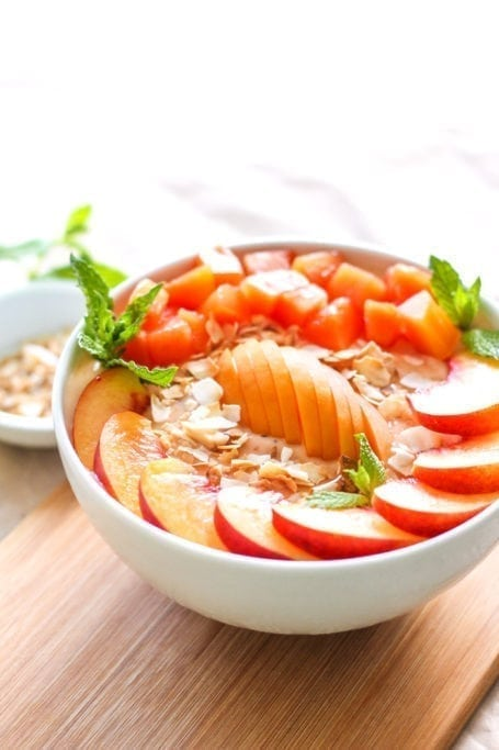 Summer Stone Fruit Smoothie Bowl - vegan, high protein, gluten-free || Eat Spin Run Repeat